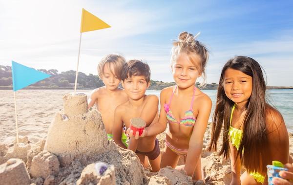 jeux de plage pour occuper les enfants à la mer