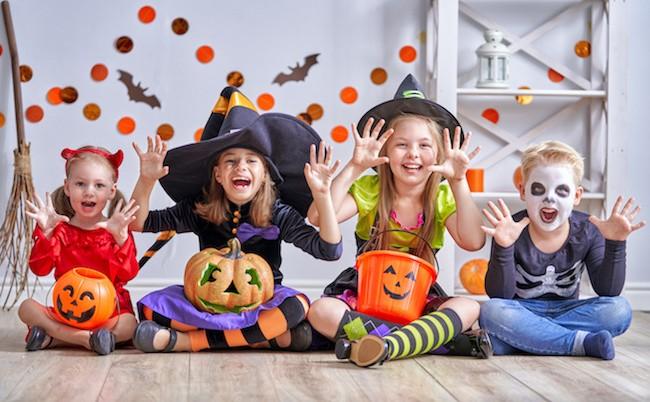 Jeux et animations pour fêter Halloween avec des enfants