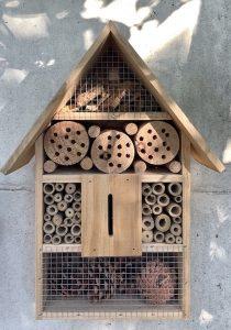 activité nature avec enfants : hôtel à insectes